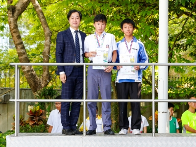 2C王嘉健及3B陳卓祈於第六屆校際定向錦標賽暨公開賽2018團體賽及沿徑定向精確賽中學男子團體冠軍(野外定向學會)